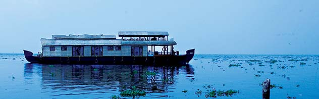 Kerala boathouse, kerala boat house, boathouse kerala, boat house in alleppey kerala, kumarakom boat house